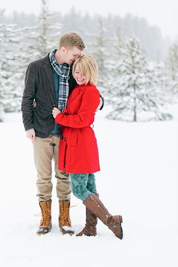 Idaho winter engagment by Kimbry Studios