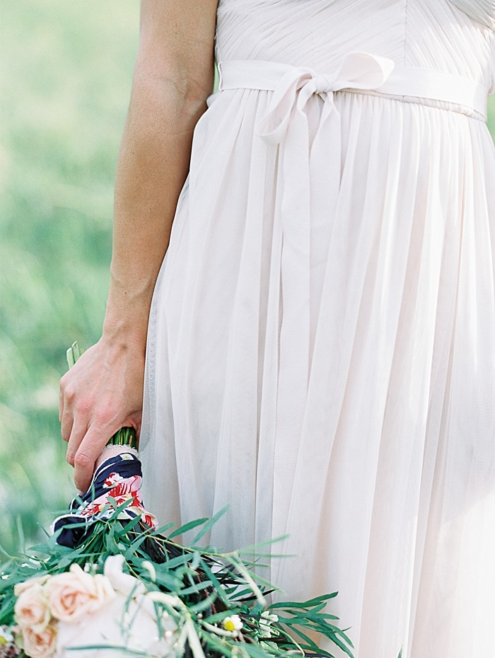 bridal gown tie detail |  Boulder Colorado Wedding | Laura Murray