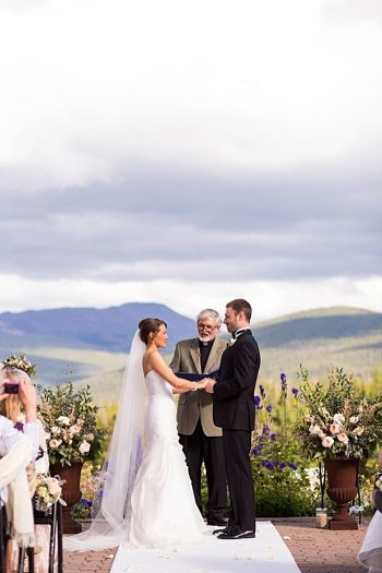 ceremony| Breckenridge wedding at 10 Mile station |INphotography