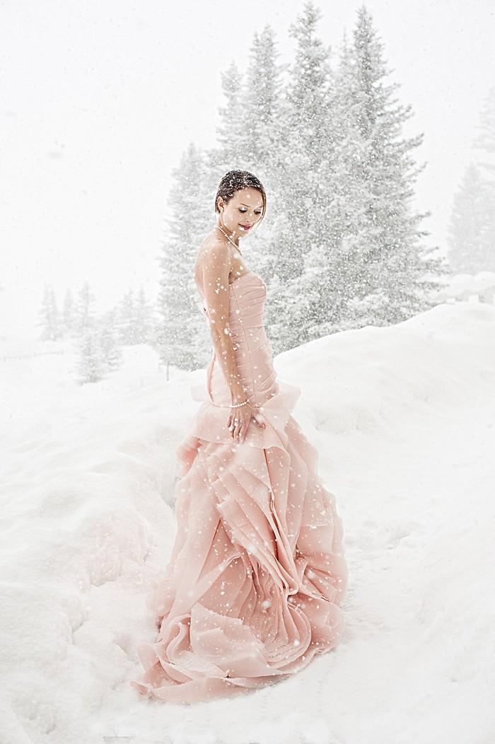 snowy bride| Lake Louise winter wedding | Orange Girl photography