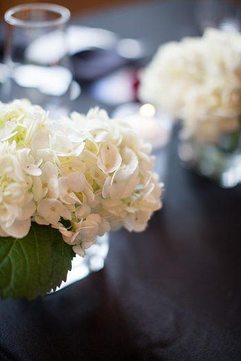 white hydrangea centerpieces | Silverthrone Colorado wedding | Sarah Roshan Photographer