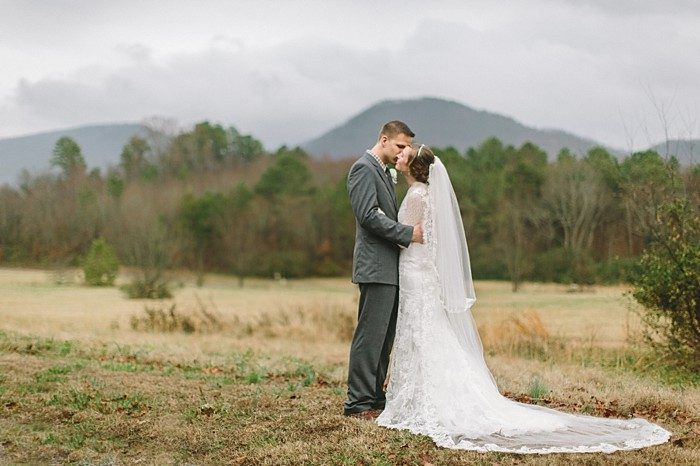 couple portratits mountains | Cherokee National Forest | JOPHOTO photography