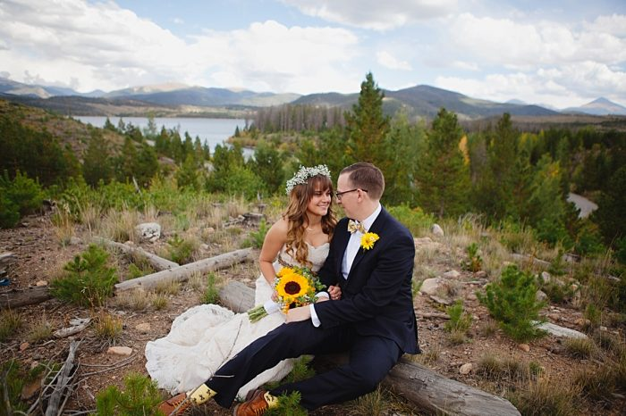 Sunflower bouquet | Fall wedding in Silverthorne Colorado | Leah McEachern Photography