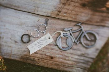 Bicycle themed Fall wedding in Silverthorne Colorado | Leah McEachern Photography