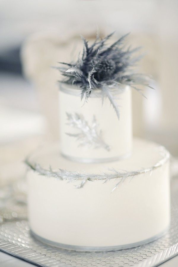 Modern Silver Wedding Cake | via Belle and Chic