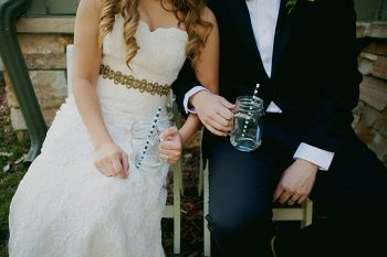 Mason jar drinking glasses with blue and white paper straws | Fall wedding in Silverthorne Colorado | Leah McEachern Photography