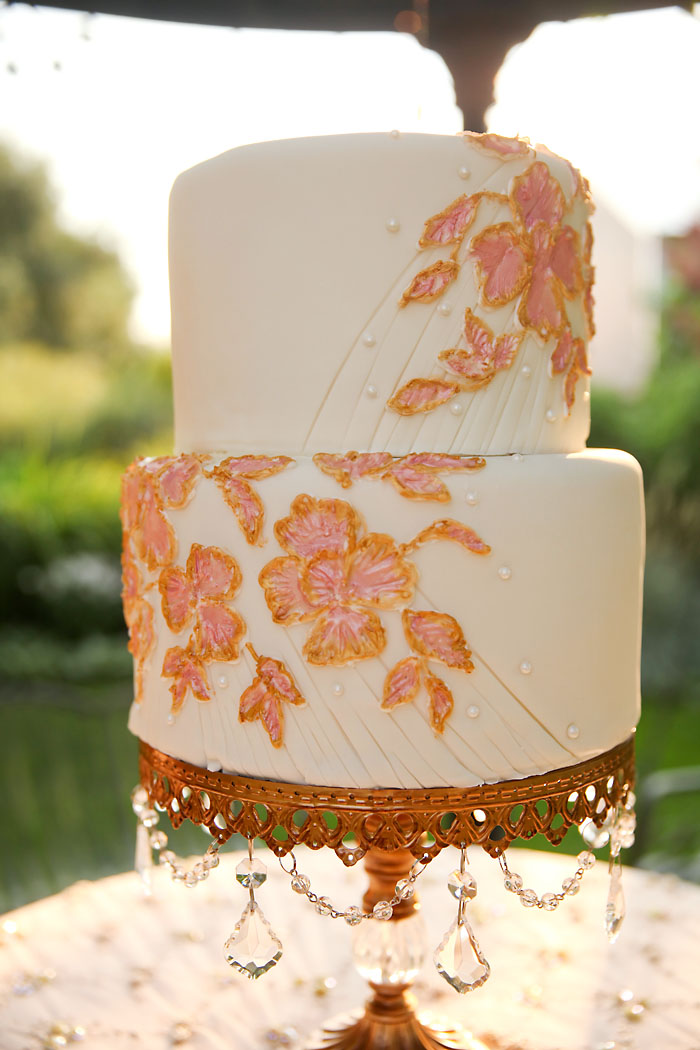 Rustic and Romantic Park City Wedding | pink and gold wedding cake | Pepper Nix Photography