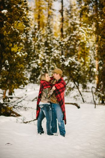 Mount Bachelor winter engagement | Dawn Photography