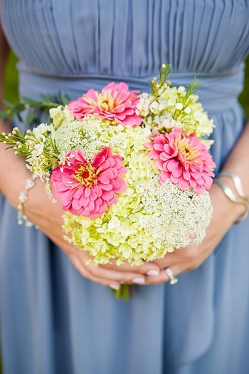 Bouquet | Vermont Mountain Wedding | Alexix June Photography | Via MountainsideBride.com 0023