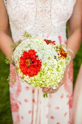 Bouquet | Vermont Mountain Wedding | Alexix June Photography | Via MountainsideBride.com 0024