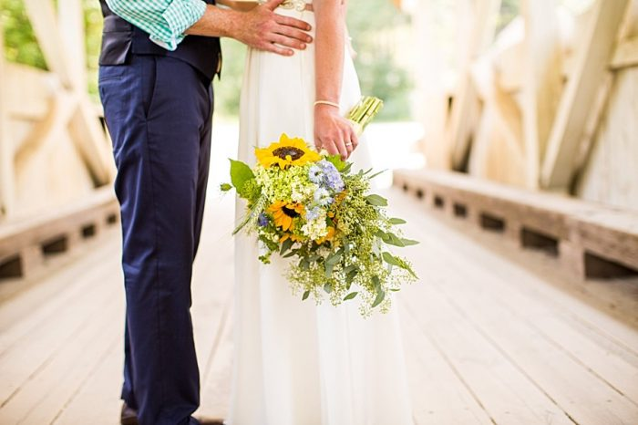 Vermont Mountain Wedding | Alexix June Photography | Via MountainsideBride.com 0015