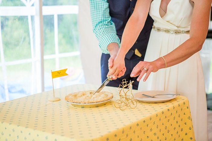 Wedding Pie | Vermont Mountain Wedding | Alexix June Photography | Via MountainsideBride.com 0051