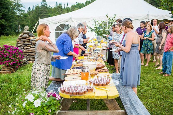 Vermont Mountain Wedding | Alexix June Photography | Via MountainsideBride.com 0053