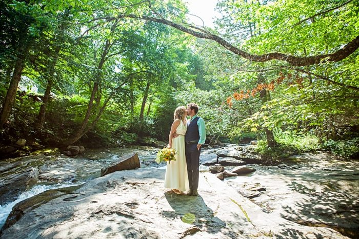 Emily+Brendan Vermont Mountain Wedding | Alexix June Photography | Via MountainsideBride.com 0431