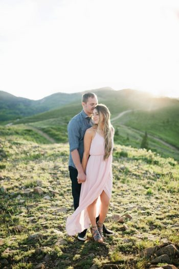 1 Utah Engagement With Pink Details | Amy Cloud Photography | Via MountainsideBride.com