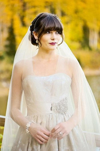 Mountain Bride Fall Wedding Inspiration   Aspen Gold Utah Wedding Inspiration   Pepper Nix Photography   Via MountainsideBride.com