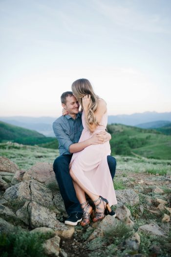 10a Utah Engagement With Pink Details | Amy Cloud Photography | Via MountainsideBride.com