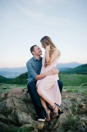 10b Utah Engagement With Pink Details | Amy Cloud Photography | Via MountainsideBride.com