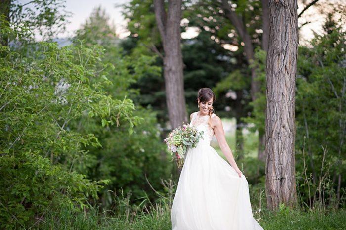 Peach Wedding Inspiration | Colby Elizabeth Photography | Via MountainsideBride.com