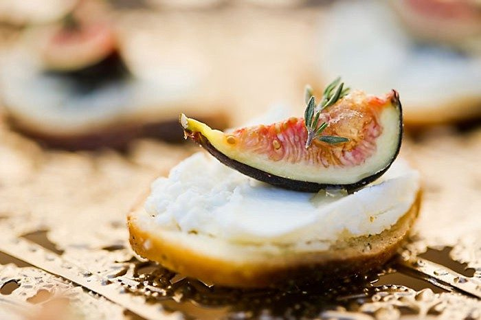 Figs On Cheese | Aspen Gold Utah Wedding Inspiration | Pepper Nix Photography | Via MountainsideBride.com