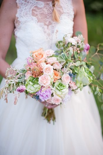 Peach Wedding Inspiration | Colby Elizabeth Photography | Via MountainsideBride.com