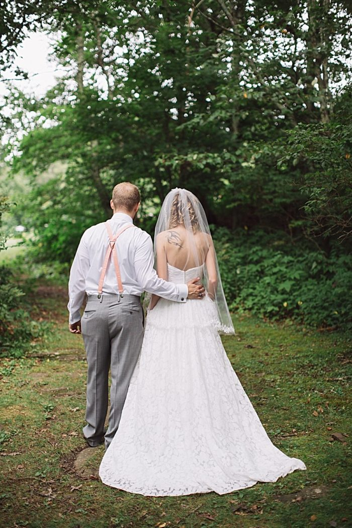 Boone North Carolina Wedding | Revival Photography | Via MountainsideBride.com