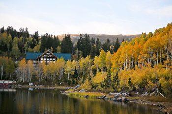 Camp Cloud Rim   Aspen Gold Utah Wedding Inspiration   Pepper Nix Photography   Via MountainsideBride.com
