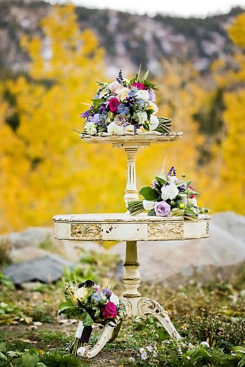 Bouquets Fall Wedding Inspiration | Aspen Gold Utah Wedding Inspiration | Pepper Nix Photography | Via MountainsideBride.com