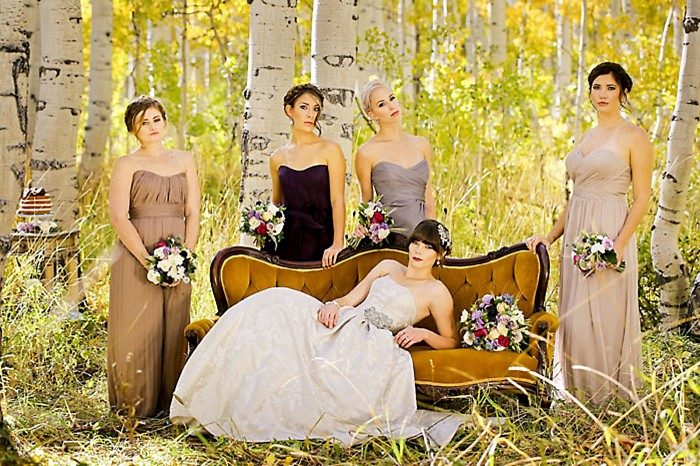 Bridesmaids In Aspens Fall Wedding Inspiration | Aspen Gold Utah Wedding Inspiration | Pepper Nix Photography | Via MountainsideBride.com
