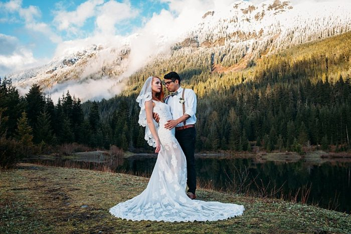 Snoqualmie Pass Elopement In Washington | Marcela Garcia Pulido | Via MountainsideBride.com