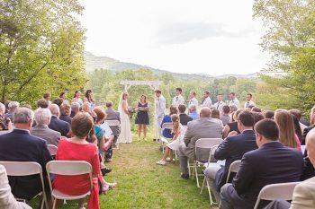 12 Eagle Mountain House New Hampshire Mountain Wedding | Anne Lee Photography | Via MountainsideBride.com