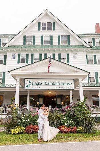 16a Eagle Mountain House New Hampshire Mountain Wedding | Anne Lee Photography | Via MountainsideBride.com
