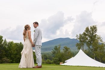 17 Eagle Mountain House New Hampshire Mountain Wedding | Anne Lee Photography | Via MountainsideBride.com
