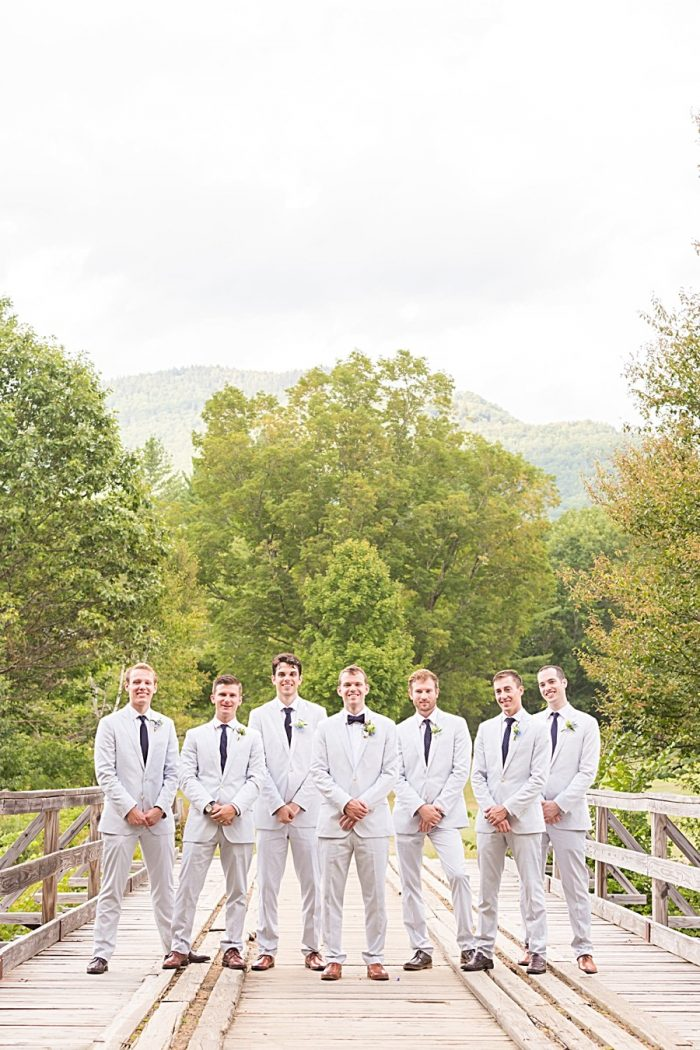23 Eagle Mountain House New Hampshire Mountain Wedding | Anne Lee Photography | Via MountainsideBride.com