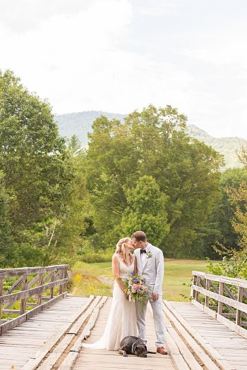 26b Eagle Mountain House New Hampshire Mountain Wedding | Anne Lee Photography | Via MountainsideBride.com