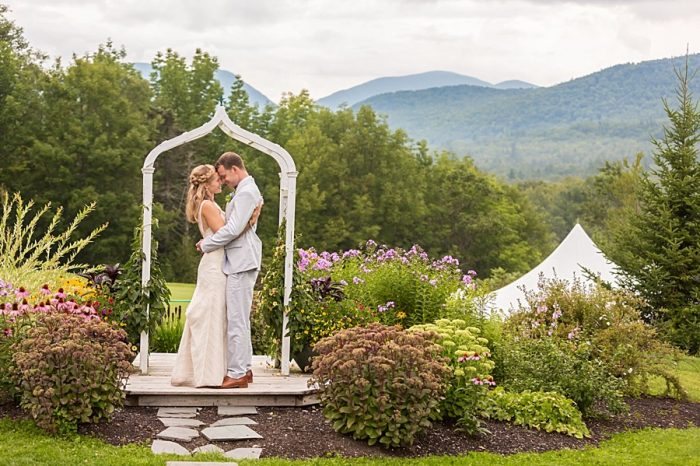 32 Eagle Mountain House New Hampshire Mountain Wedding | Anne Lee Photography | Via MountainsideBride.com