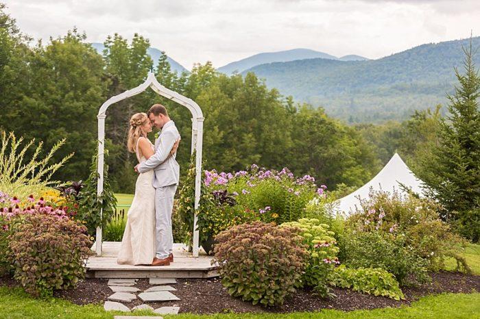 32 Eagle Mountain House New Hampshire Mountain Wedding | Anne Lee Photography | Via MountainsideBride.com