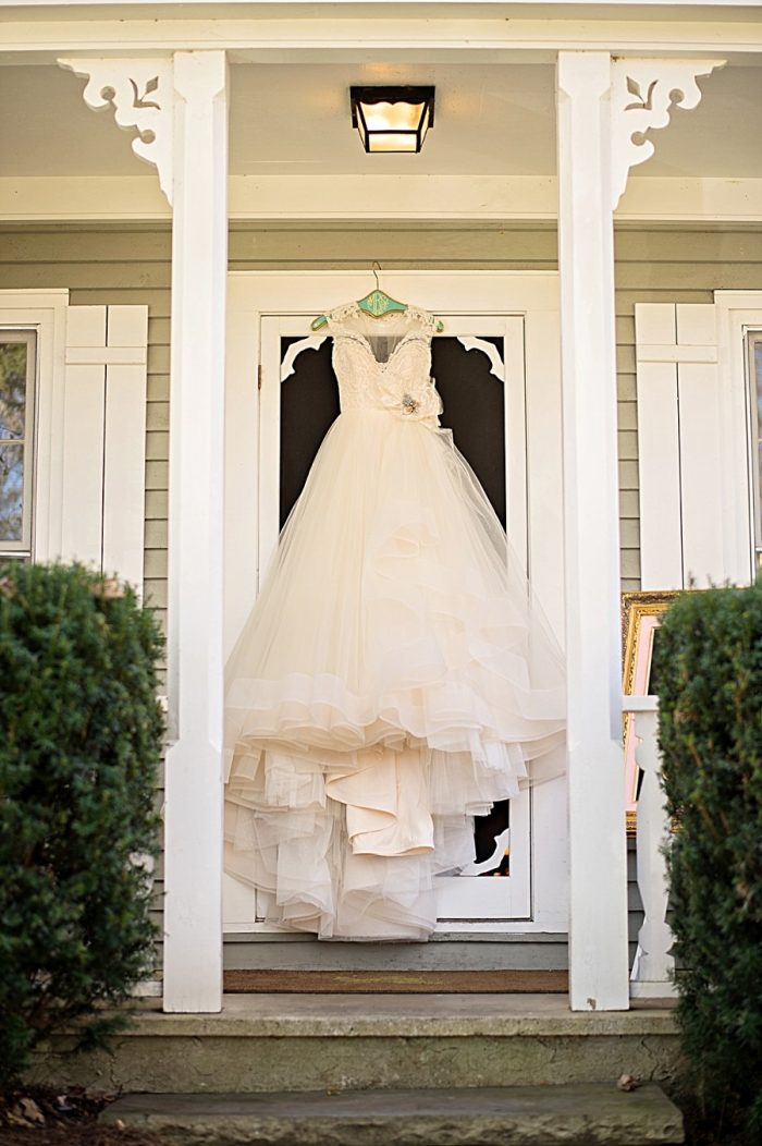 Old Edwards Inn Wedding | Kristen Weaver Photography | Via MountainsideBride.com