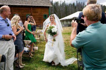 Grand Lake Colorado Wedding | Susannah Storch Photography | Via MountainsideBride.com