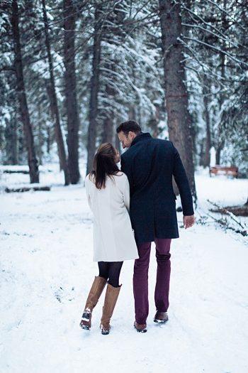 11a Calgary Winter Engagement | Nicole Sarah Photography | Via MountainsideBride Com