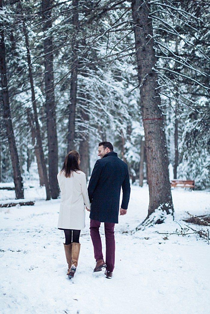 13 Calgary Winter Engagement | Nicole Sarah Photography | Via MountainsideBride Com