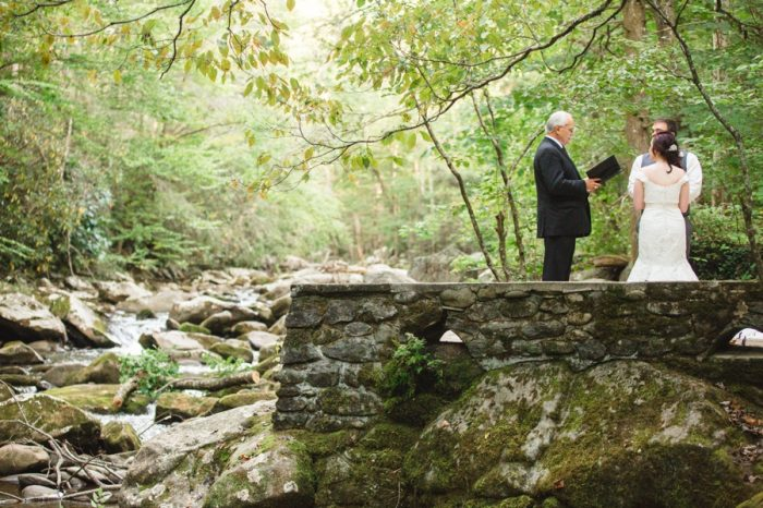 14 Smoky Mountains Elopement Jo Photo | Via MountainsideBride.com