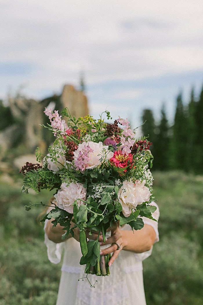 Farmers Market Wedding Inspiration | Victoria Greener Photography |via MountainsideBride.com
