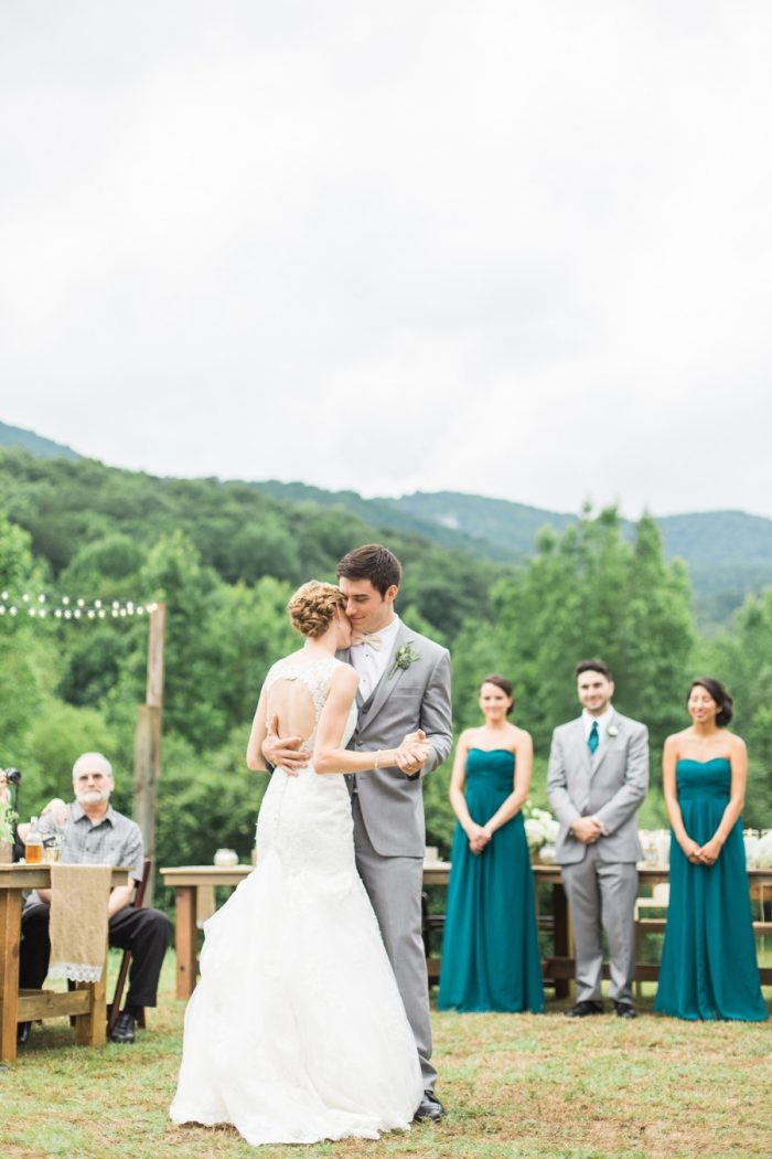 28 Mountain Laurel Farm Georgia | Lindsey LaRue Photography | Via MountainsideBride.com