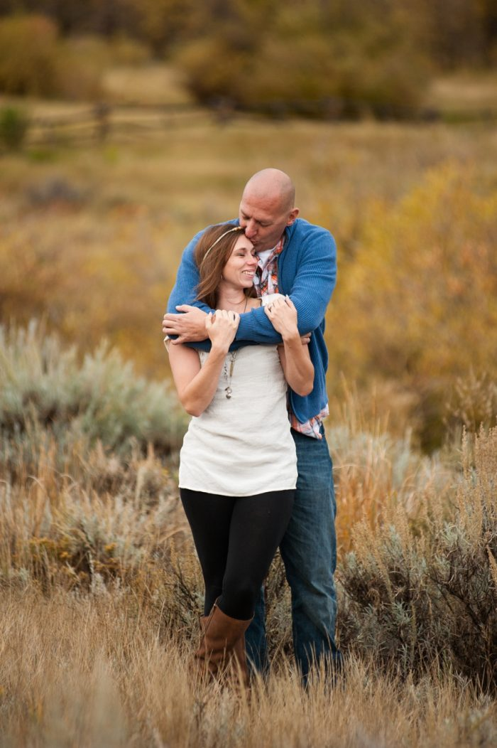 9 Wyoming Engagement Fall | Ardent Photography | Via MountainsideBride.com
