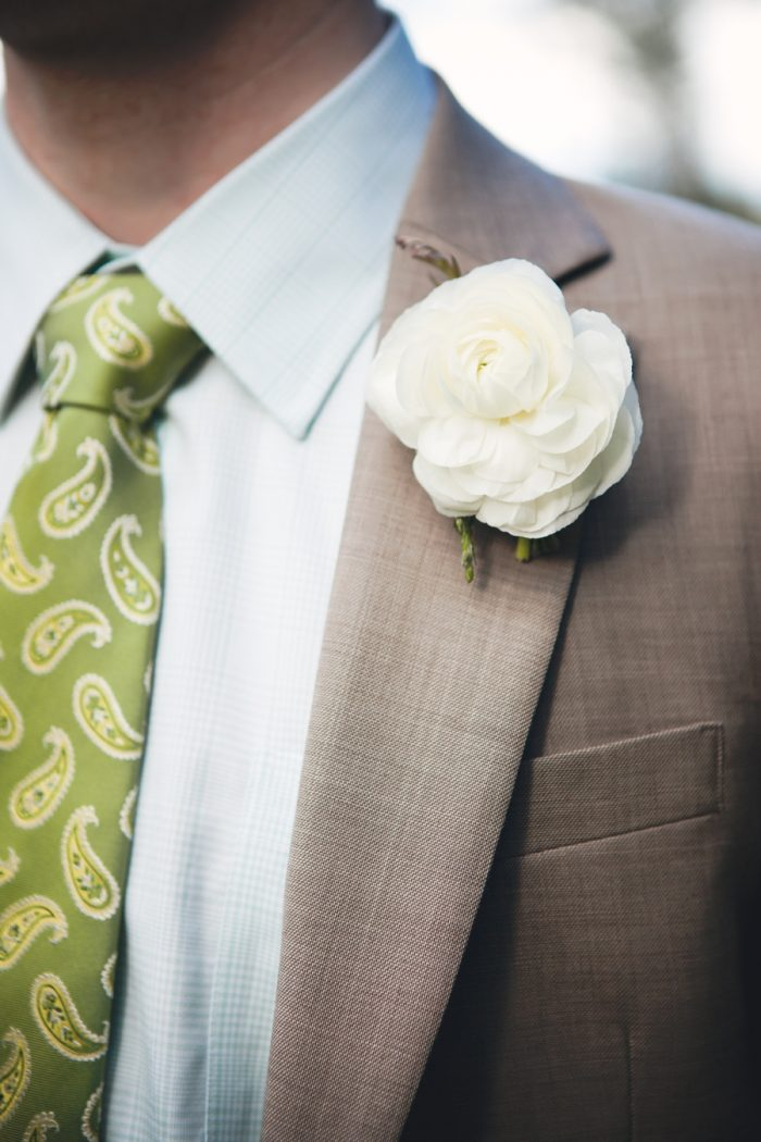1 Boutonniere Sandpoint Idaho Mountain Wedding Amy Galbraith Photography | Via MountainsideBride.com