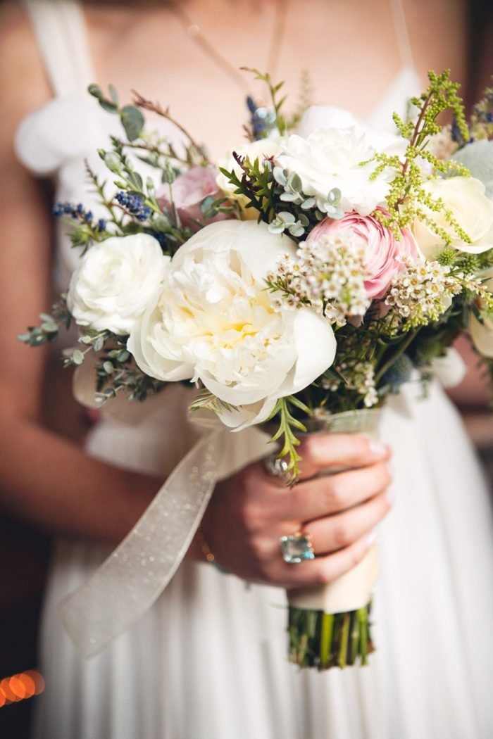 10 Rustic Elegant Bouquet Sandpoint Idaho Mountain Wedding Amy Galbraith Photography | Via MountainsideBride.com