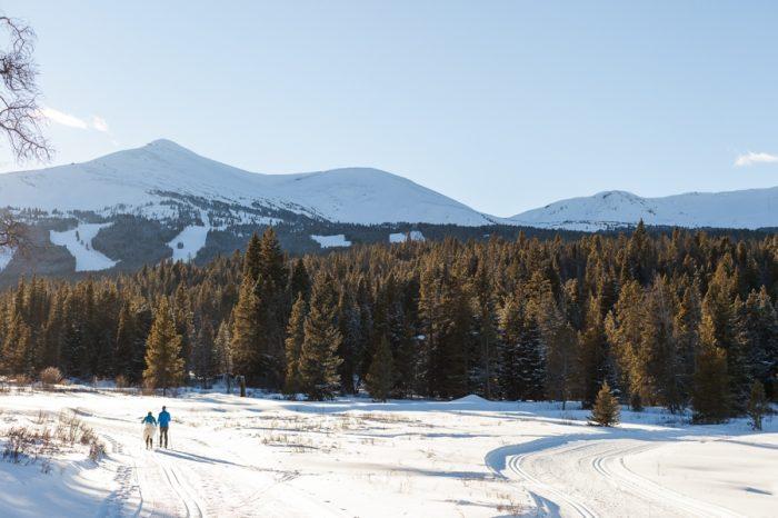 winter bride and groom | Breckenridge Nordic Wedding Inspiration Bergreen Photography | Via MountainsideBride.com