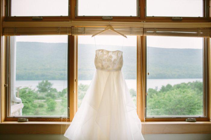 Wedding Gown | Bald Eagle State Park Wedding | Caitlin Thomas Photography | Via MountainsideBride.com