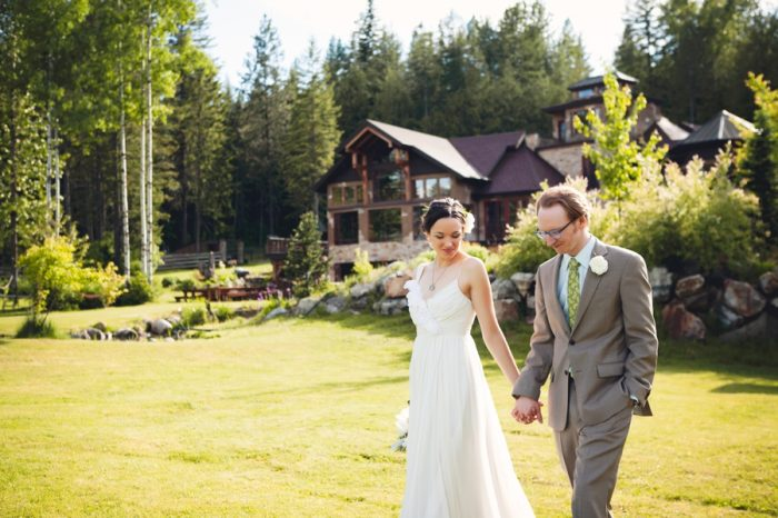26 Portraits Holding Hands Sandpoint Idaho Mountain Wedding Amy Galbraith Photography | Via MountainsideBride.com